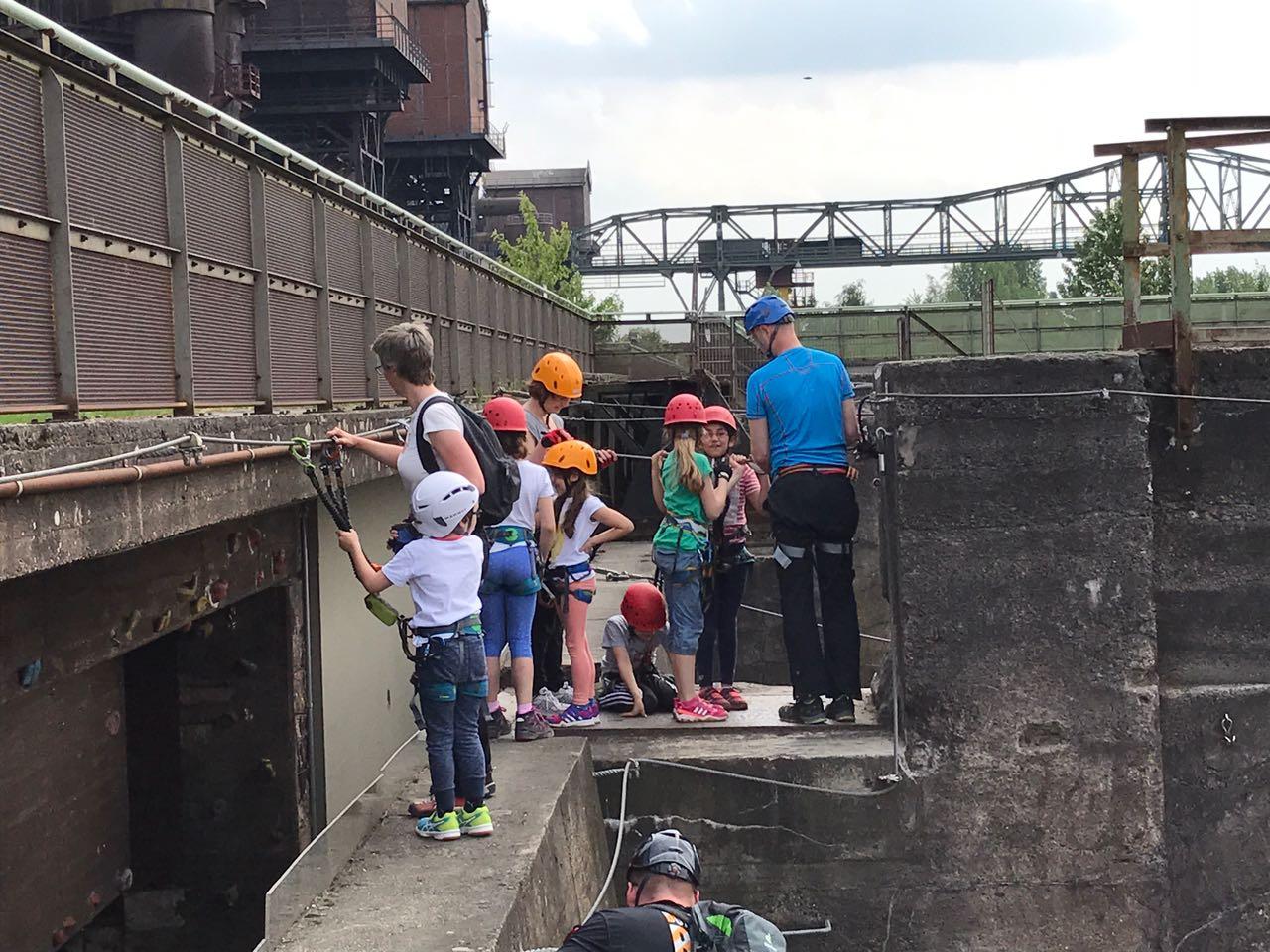 Klettersteig Duisburg : Die kürzeste seilrutsche der welt u orpierre jdav duisburg
